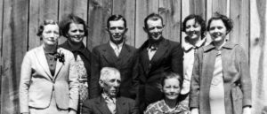 Carroll County Genealogical Society<br><br><i>Promote genealogical research</i>